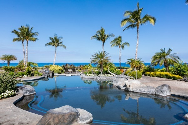 Big Island Luxury Oceanfront Hali'i Kai